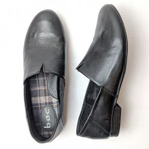 B.o.c born black leather flats loafers, size 11